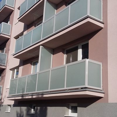 MS KOVO plus - balkony - Stefannikova - Senica (1)
